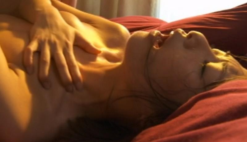 本気で感じるびっしょり汗だく凌●性交8時間BEST